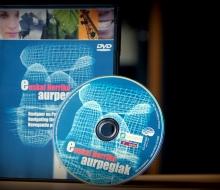 "Borne multimédia et DVD ""Euskal Herriko Aurpegiak - Naviguer en Pays Basque"" (2003 - ICB - Elhuyar)"